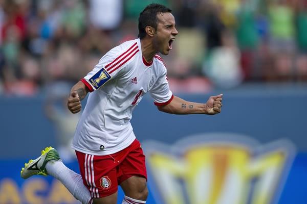 Hinchas apoyan que la selección mexicana juegue con naturalizados