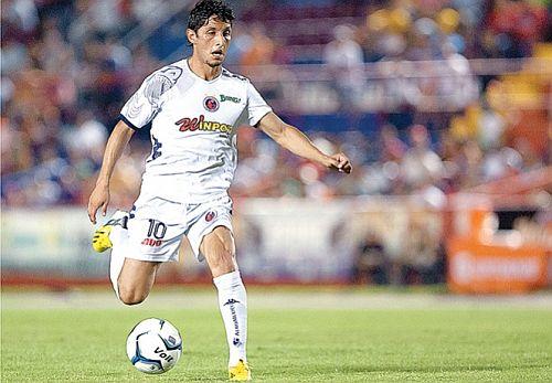 Ángel Reyna, es el mejor goleador del torneo